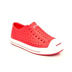 Cuter version of crocs? Made of 100% recycled materials!