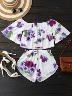 Off Shoulder Floral Crop Top And Shorts - White M