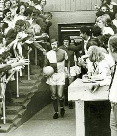 Mike Green leads Bristol Rovers out at Eastville in Bristol Rovers, Leeds United, Football Pictures, Britain, Nostalgia, World, Classic, 1970s, Bath