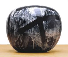Dango by Jun Kaneko click the image or link for more info. Abstract Sculpture, Sculpture Art, Moon Jar, Types Of Painting, Museum Of Contemporary Art, Pottery Designs, Glazed Ceramic, Ceramic Artists, Decorating On A Budget