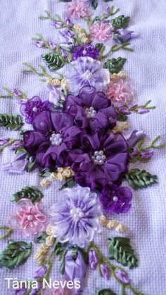 Silk Ribbon Embroidery, Crewel Embroidery, Embroidery Patterns, Ribbon Art, Floral Wreath, Arts And Crafts, Pakistani Bridal Dresses, Couture, Sewing
