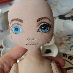 """А я пока как белка в колесе и не могу выбраться сфотографировать куколок, покажу Вам процессик под названием """"Терминатор жив"""" ))) #процессторри #torrytoys #красотаспасетмир #dollsofinstagram #textildoll #кукларучнойработы"""