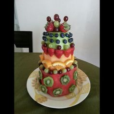 healthy fruit cake made entirely out of fruit! (AKA the ULTIMATE cake) Healthy Fruit Cake, Healthy Desserts, Healthy Food, Watermelon Cakes, Fruit Cakes, Fruit Recipes, Cake Recipes, Bubble Party, Food Carving