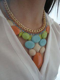 Maxi colar cores verão 2013                    O valor do frete é o mesmo para mais de uma pulseira ...aproveitem!                  Pagamento por depósito bancário ou cartão(moip ou pag seguro) R$62,00