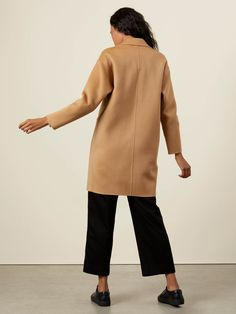 """A cozy and elegant winter-wardrobe staple, our Quinn coat is a modern take on a classic silhouette. With its two welt pockets, its single-button closure, and its versatile length, our Quinn coat is the ideal around-the-clock winter coat. Its 30% cashmere/70% wool composition ensures both a luxurious feel and optimal insulation. It's a timeless classic that, thanks to its architectural and structured shape, always feels modern, but never """"trendy,"""". Women's Wardrobe Essentials, Wardrobe Staples, Romantic Look, Weekend Outfit, Timeless Classic, Winter Wardrobe, Welt Pocket, Winter Coat, Insulation"""