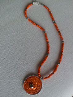Gargantilla naranja 5,99€