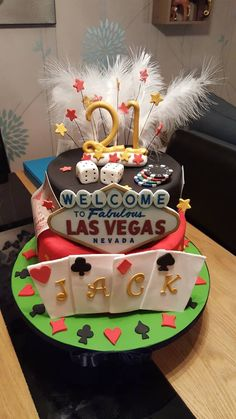 Las Vegas cake by Jenny Marshall - For all your cake decoration supplies, please visit craftcompany.co.uk