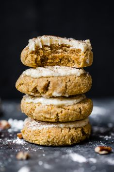 These healthy soft pumpkin cookies with an addicting salted maple frosting are absolutely delicious! These melt-in-your-mouth cookies are both gluten free and grain free and taste like a slice of your favorite pumpkin pie! Gluten Free Pumpkin Cookies, Soft Pumpkin Cookies, Pumpkin Pie Bars, Pumpkin Spice Syrup, Gluten Free Desserts, Pumpkin Puree, Pumpkin Bread, Paleo Dessert, Oatmeal Cookies