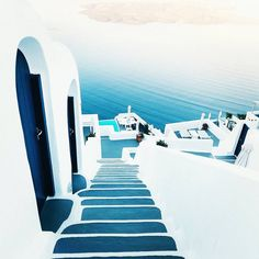 Beautiful Santorini, Greece. . . ➖➖➖➖➖➖➖➖➖➖➖➖➖ #dubai #indonesia #philippines #wanderlust #usa #canada #greece #interlaken #switzerland #landscape #thailand #fujifilm #australia #vscocam #gopro #stunning #singapore #wcw #perfection #santorini #luxury #dope #nyc #nikon #canon #outdoors #nature #japan #venice #picoftheday