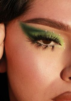 Makeup Eye Looks, Creative Makeup Looks, Eye Makeup Art, Makeup Inspo, Eyeshadow Makeup, Makeup Inspiration, Makeup Tips, Face Makeup, Orange Eyeshadow