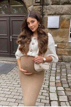 Casual Maternity Outfits, Stylish Maternity, Pregnancy Outfits, Maternity Wear, Maternity Dresses, Estilo Baby Bump, Pregnacy Fashion, Spring Maternity, Summer Maternity Fashion