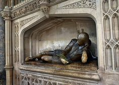 A memorial to William Shakespeare at Southwark Cathedral, not far from Shakespeare's Globe Theatre; he also lived in the borough for a brief period. This is the work of Henry McCarthy (1912) and made from alabaster.