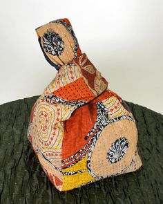 no pattern but cool look Patchwork Bags, Quilted Bag, African Inspired Fashion, African Fashion, Boro Stitching, Japanese Knot Bag, Diy Sac, Simple Bags, Denim Bag