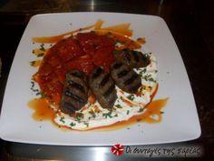 Η συνταγή είναι αυθεντική και είναι του Τούρκου Αρχιμάγειρα Kemal Canturk από ένα σεμινάριο Οθωμανικής κουζίνας που παρακολούθησα. Turkish Recipes, Greek Recipes, Ethnic Recipes, A Food, Good Food, Food And Drink, Cooking Time, Cooking Recipes, Mince Meat