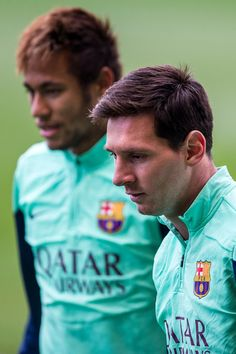 Lionel Messi of FC Barcelona looks on during a training session at the Mini Stadi Stadium on January 2014 in Barcelona, Catalonia. Barcelona Football, Fc Barcelona, Barcelona Catalonia, Messi Y Neymar, Inspirational Soccer Quotes, Barcelona Training, Messi Photos, Leonel Messi, Soccer Training