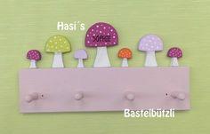 Garderoben - Kinder-Garderobe mit Pilzen, Holz, Hakenleiste - ein Designerstück von Hasis-Bastelbuetzli bei DaWanda