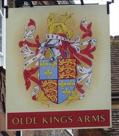 Olde Kings Ams - High Street, Hemel Hempstead, Hertfordshire, UK.