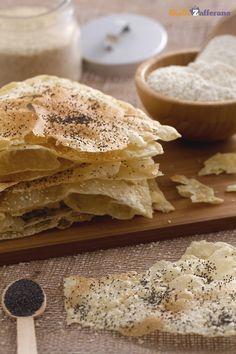 PANE ARMENO: lievitato a base di acqua, sale, olio e farina manitoba, senza lievito.