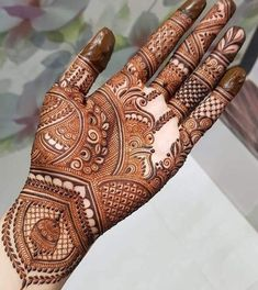 Mehndi Design Girls which is for especially for the younger girls and for this Festive Season and for also the wedding season. These are the best Mehndi Design Girls. Mehndi is an important part of our Culture. Mehndi Designs Book, Latest Bridal Mehndi Designs, Back Hand Mehndi Designs, Indian Mehndi Designs, Mehndi Designs 2018, Mehndi Designs For Beginners, Mehndi Designs For Girls, Mehndi Design Photos, Unique Mehndi Designs