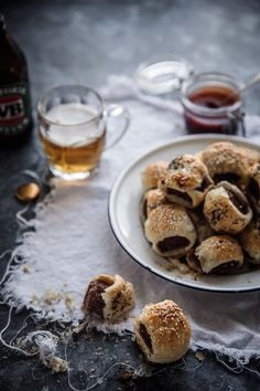 Be a legend this Australia Day and bring a plate of these super easy sausage rolls to share with your mates!   Food Styling | Food Photography | Anisa Sabet | The Macadames
