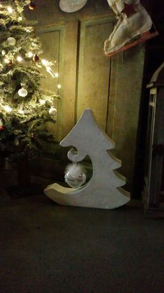 Concrete casting TANNEBAUM for Deco 50 cm - pintaphotography Cement Art, Concrete Crafts, Concrete Art, Concrete Projects, Wood Crafts, Diy And Crafts, Wooden Christmas Decorations, Wood Ornaments, Christmas Wood