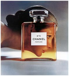 model vicki hilbert for chanel n°5 perfume ad photographed by richard-avedon