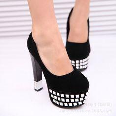 Zapatos Princesa Blanco y Negro con Mosaicos de Piedras en la Plataforma