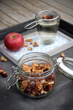 Frisch fruchtiger Apfeltee Herbal Tea Benefits, Tea Blends, Tea Recipes, Homemade Gifts, Tea Time, Herbalism, Clean Eating, Food And Drink, Tasty