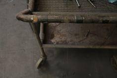 http://sisustusopas.com/2014/03/25/industrial-style-nain-se-tehdaan-osa-2/