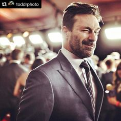 "Pocket: 205 Likes, 13 Comments - For Those Who Need Some Hamm?? (@jonhammstars) on Instagram: ""? #Repost @toddrphoto with @repostapp #superbowl51 ・・・ . . . Hey Jon. Sup? #jonhamm #madmen…"""