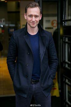 Tom Hiddleston at BBC Radio 2 in London 3.3.2017 From   http://tw.weibo.com/torilla/4081304074960077