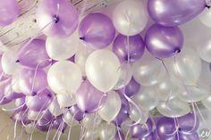 ballons mariage violet lavande blanc Ballons Violets, Ballon Helium, Purple Wedding, Mauve, Wedding Cakes, Ceiling Lights, Flyers, Anastasia, Party