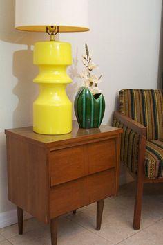 Mid Century Yellow Ceramic Table Lamp - Retro Vintage 1970's