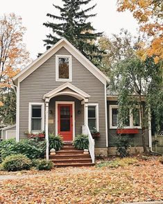 Cottage house exterior is charming, facades are a lot more than brick and mortar. Whether your house is in the mountains, by the sea, or on any type of place, charm can be added in many ways. Small Cottage Homes, Small Cottages, Cozy Cottage, Cottage House, Tiny Homes, Stone Cottages, Cottage Farmhouse, Cottage Ideas, Casa Loft