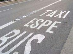 En Madrid ya están cambiando las señales viales Y luego dicen que Ana Botella no tiene reflejos…