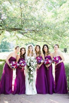 f0c2b306a2f7 Fall wedding season is close and it s time to pay attention to bold and  passionate colors