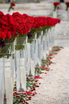 Wedding // Ceremony // flowers / red / white / roses