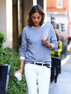 How to Dress Like a French Girl – Closetful of Clothes Trend Fashion, Fashion Moda, Look Fashion, Autumn Fashion, Fashion Tag, Runway Fashion, Spring Fashion, Fashion Jewelry, White Jeans Outfit