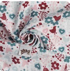 XKKO Bambusová osuška 90x100 cm Flowers&Birds Girls červená   MALL.CZ Alexander Mcqueen Scarf, Birds, Flowers, Mall, Fashion, Moda, Fashion Styles, Bird, Royal Icing Flowers
