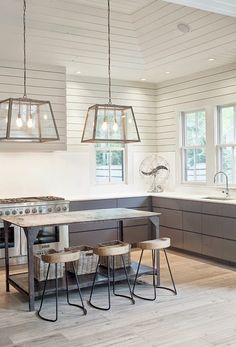Love The Flooring In This Kitchen Bluestone Pavers Evoke Charm Of A Cobblestone Street