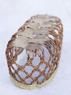 Object Whispering by Ingrid Becker, Norway willow bark, 37 x 16 x 2010 Flax Weaving, Willow Weaving, Weaving Art, Basket Weaving, Yarn Crafts, Diy And Crafts, Birch Bark Baskets, Lace Weave, Willow Bark