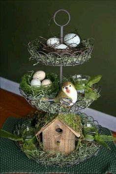 Easter decorating - bird house, nests with eggs, birds, and moss. Great table decoration for Easter or Spring. Oster Dekor, Seasonal Decor, Holiday Decor, Tiered Stand, Tiered Server, Tier Tray, Deco Floral, Plate Stands, Spring Crafts