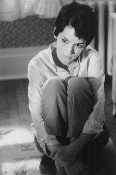 Still of Winona Ryder in Girl, Interrupted (1999) http://www.movpins.com/dHQwMTcyNDkz/girl,-interrupted-(1999)/still-2635828736