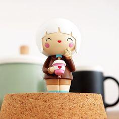 Happy Bean Momiji designed by Luli Bunny for coffee lovers. #happybean #momijidolls #coffee #butfirstcoffee #caffeine #caffeineaddict