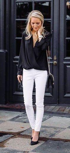 Black Blouse & White Skinny Jeans & Black Pumps
