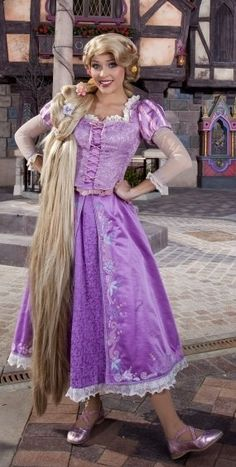 I want to be rapunzel face character Walt Disney, Disney Cast, Cute Disney, Disney Girls, Disneyland Princess, Disney Princess Rapunzel, Tangled Rapunzel, Baby Cinderella, Rapunzel Dress