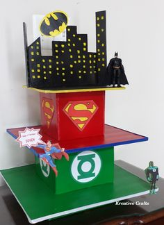 DC Comics Cake, DC Comics Birthday party, Cupcakes by Kreative Crafts