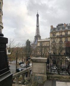 City Aesthetic, Travel Aesthetic, Beige Aesthetic, Paris Summer, Paris Love, Paris Paris, France, Imagines, Adventure Is Out There