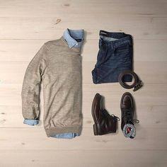 Preppy Saturday gear featuring @sutrofootwear 🙌🏼🙌🏼 @huntervought #stylish #fashion #outfitoption #outfitoftheday #mensstyle #menswear #suitandtie #tailored #bespoke #instafashion #stylishman #denim #gentlemen #gentlemenfashion #fashionformen #lookbook #flatlayoftheday #flatlay #outfitgrid #outfitgrids #shopthatgrid #flatlays #flatlaynation #flatlaystyle #everydaycarry