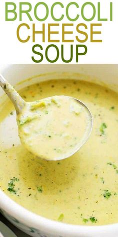 The BEST Broccoli Cheese Soup Recipe (Panera Copycat, But Better!)- Broccoli Cheese Soup Panera Copycat – If you love Panera Bread's Broccoli Cheddar Soup you are going to be amazed with this copycat recipe! The BEST Broccoli Cheese Soup Recip Brocolli Cheddar Soup, Brocoli Soup, Best Broccoli Cheese Soup, Frozen Broccoli, Brocoli Cheese Soup Recipe, Brocolli Soup Recipes, Fresh Broccoli, Broccoli Casserole, Cooking Recipes